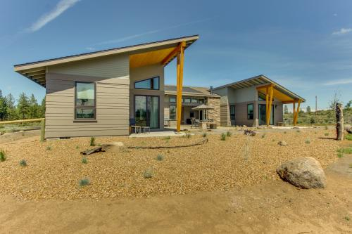 Desert Vista - Sisters, OR Vacation Rental