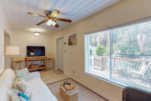 "Linda's Cozy Duplex ""B"" -  Vacation Rental - Photo 1"