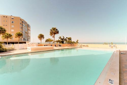 Gulf Pointe Breeze -  Vacation Rental - Photo 1