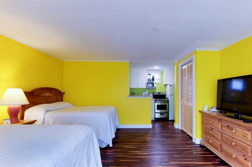 Island Inn - 14D -  Vacation Rental - Photo 1