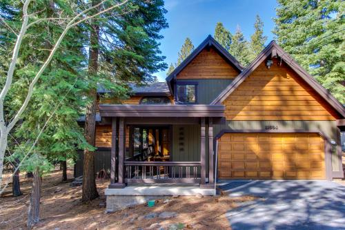 Sitzmark Family Home - Truckee Vacation Rental