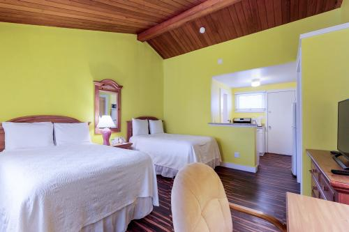 Island Inn - 26F -  Vacation Rental - Photo 1