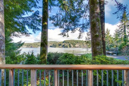 Lake Cove Cabin - Lincoln City, OR Vacation Rental