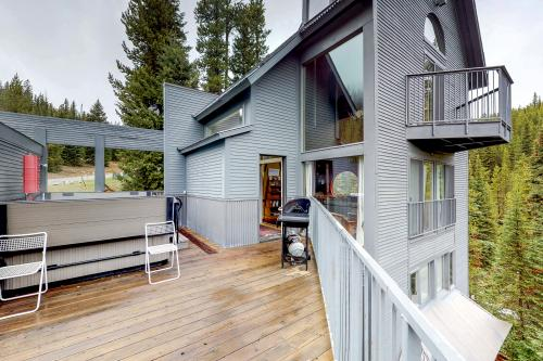 Low Dog Lookout -  Vacation Rental - Photo 1