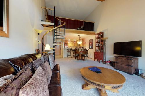 Rustic Mountain -  Vacation Rental - Photo 1