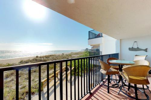 Water's Edge 109 N -  Vacation Rental - Photo 1