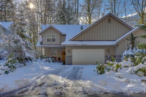 Clarks' Mountain Condo - Welches, OR Vacation Rental