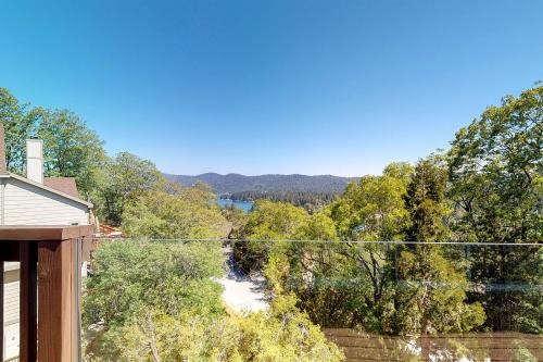 Alpen Drive Amazement - Lake Arrowhead, CA Vacation Rental