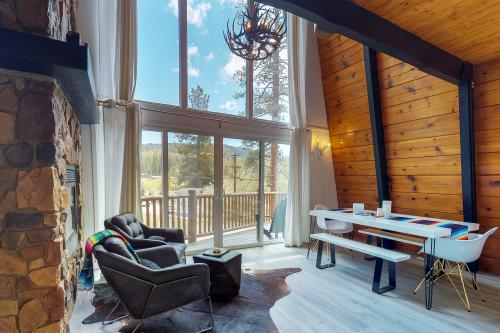 Bear & The Bunny - Big Bear Lake, CA Vacation Rental