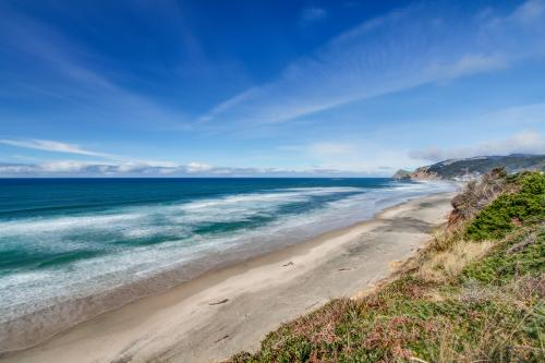 Pirate's Paradise - Lincoln City Vacation Rental