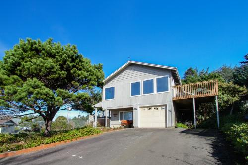 The Money Pit Beach House - Lincoln City, OR Vacation Rental