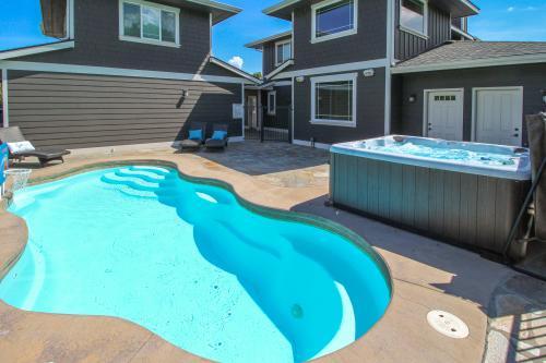 Pool and Boat Paradise -  Vacation Rental - Photo 1