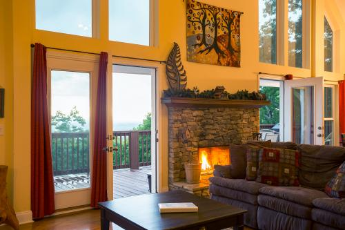 Copper Ridge Cabin - Ranger, GA Vacation Rental