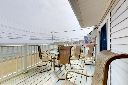 Cove View - Wells, ME Vacation Rental