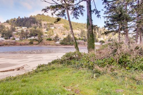 Ocean Cove: Alsea - Yachats, OR Vacation Rental