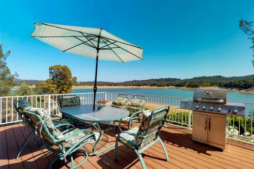 Henry House - Bradley, CA Vacation Rental