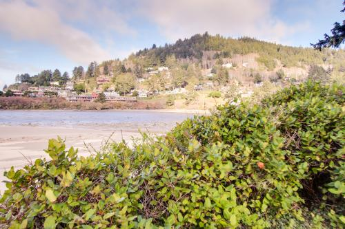 Ocean Cove: Beachcomber - Yachats Vacation Rental