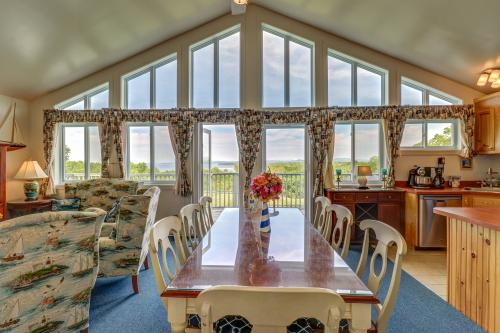 Lighthouse Estates Island Retreat -  Vacation Rental - Photo 1