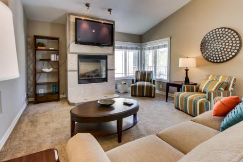 Newport Peninsula Beach House -  Vacation Rental - Photo 1
