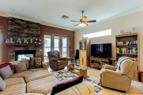 Luxury on Lake June - Lake Placid, FL Vacation Rental