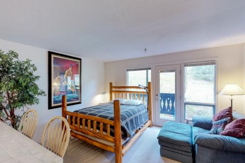 East Condo# 210 - Girdwood, AK Vacation Rental