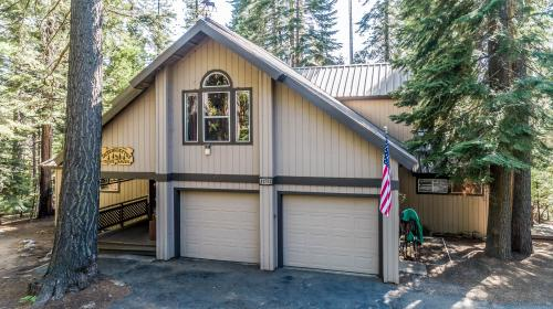Moose Haven - Shaver Lake, CA Vacation Rental