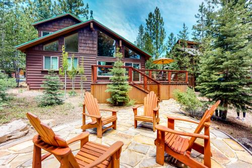 Ski View Cabin  -  Vacation Rental - Photo 1