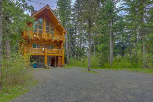 Skiing Bear Chalet -  Vacation Rental - Photo 1