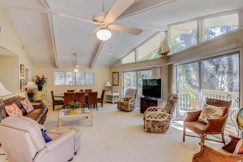 Alexander Beach House -  Vacation Rental - Photo 1
