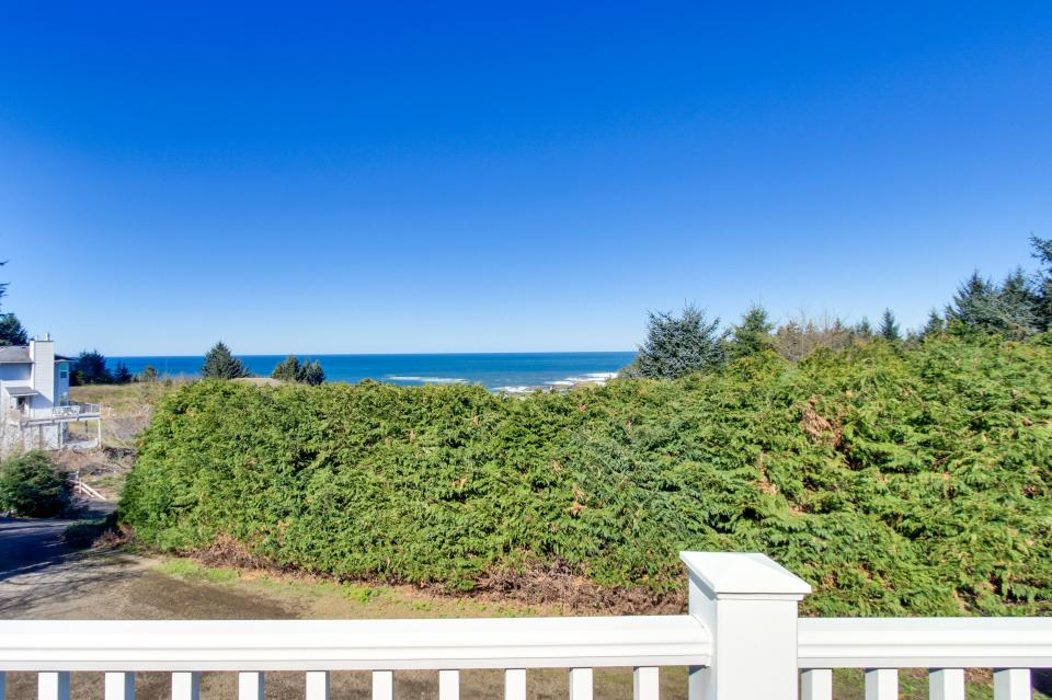 Secluded Oceans - Depoe Bay Vacation Rental - Photo 3