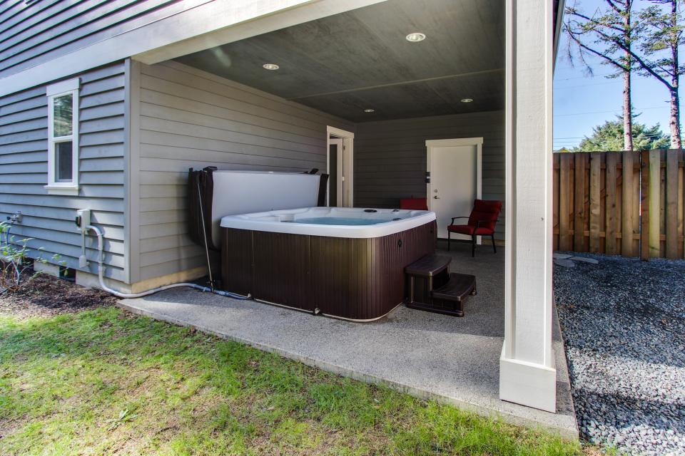 Happy-Ours Beach House - Cannon Beach Vacation Rental - Photo 29