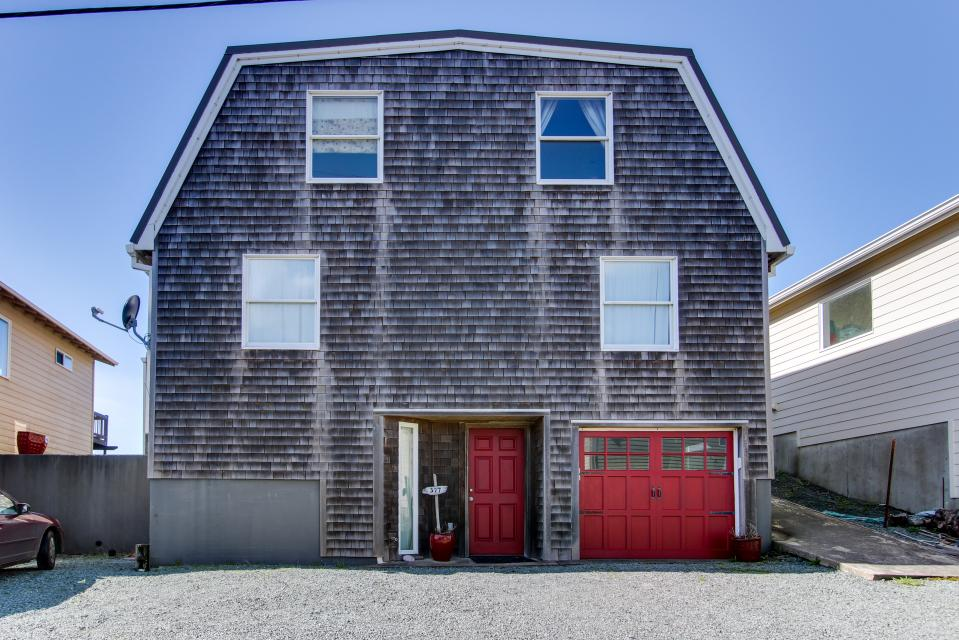 Vinovilla - Rockaway Beach Vacation Rental - Photo 22