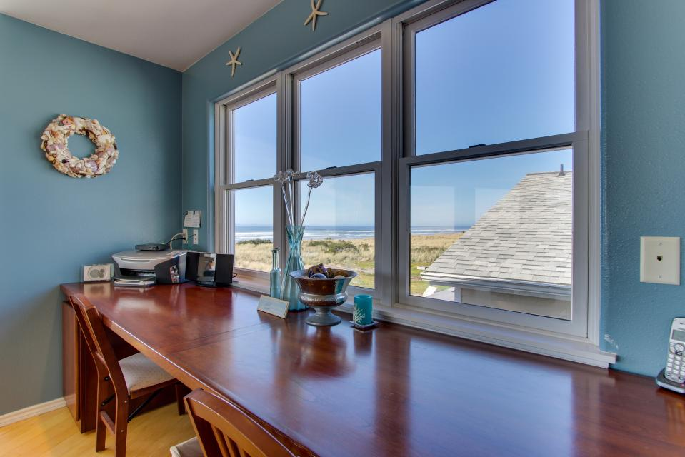 Vinovilla - Rockaway Beach Vacation Rental - Photo 8