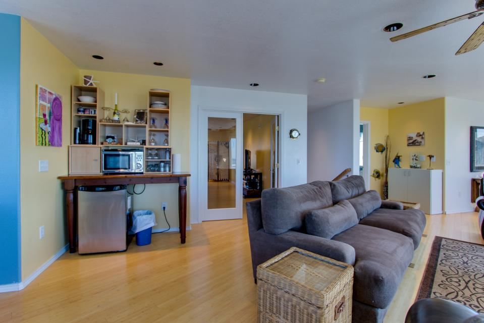 Vinovilla - Rockaway Beach Vacation Rental - Photo 25