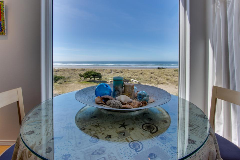 Vinovilla - Rockaway Beach Vacation Rental - Photo 9