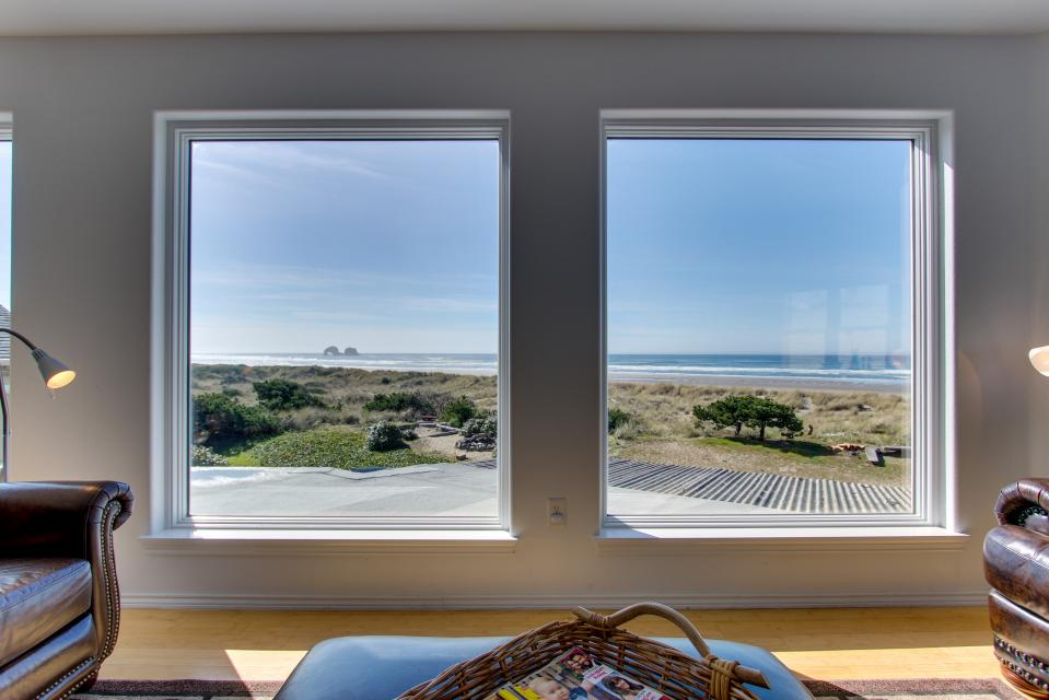 Vinovilla - Rockaway Beach Vacation Rental - Photo 3