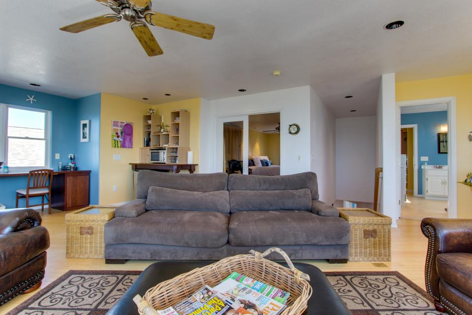 Vinovilla - Rockaway Beach Vacation Rental - Photo 28