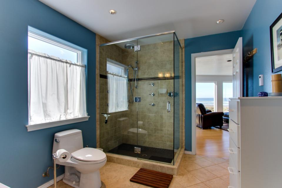 Vinovilla - Rockaway Beach Vacation Rental - Photo 15