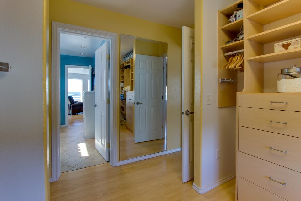 Vinovilla - Rockaway Beach Vacation Rental - Photo 56