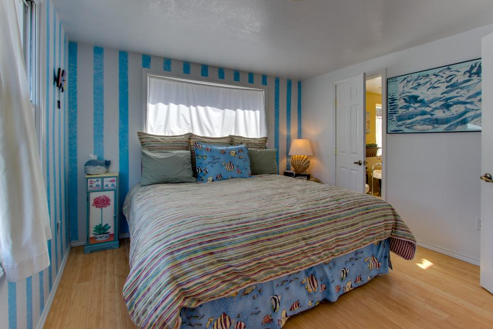 Vinovilla - Rockaway Beach Vacation Rental - Photo 16