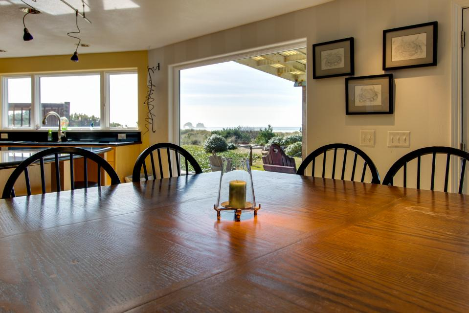 Vinovilla - Rockaway Beach Vacation Rental - Photo 36