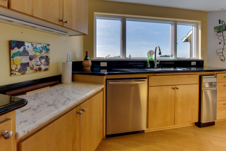 Vinovilla - Rockaway Beach Vacation Rental - Photo 34