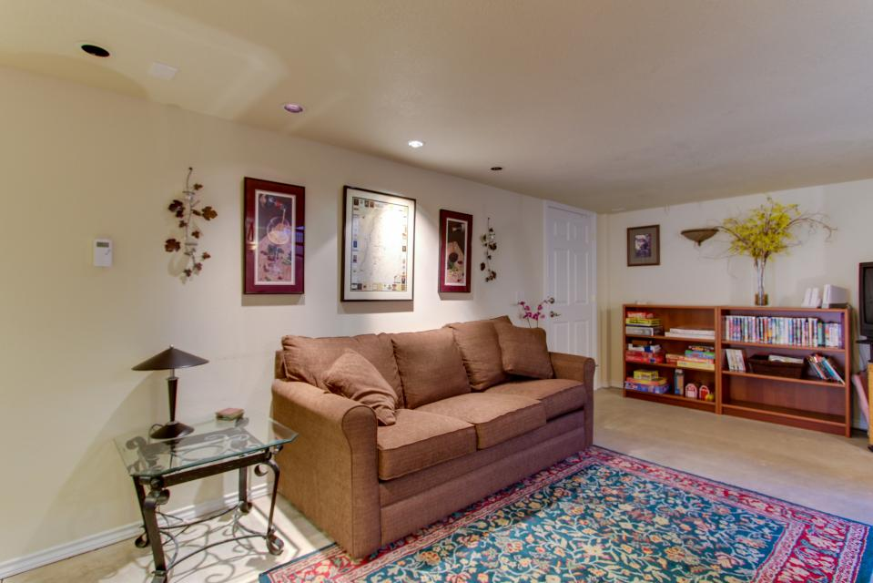 Vinovilla - Rockaway Beach Vacation Rental - Photo 39