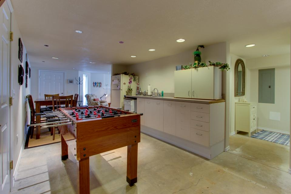 Vinovilla - Rockaway Beach Vacation Rental - Photo 42