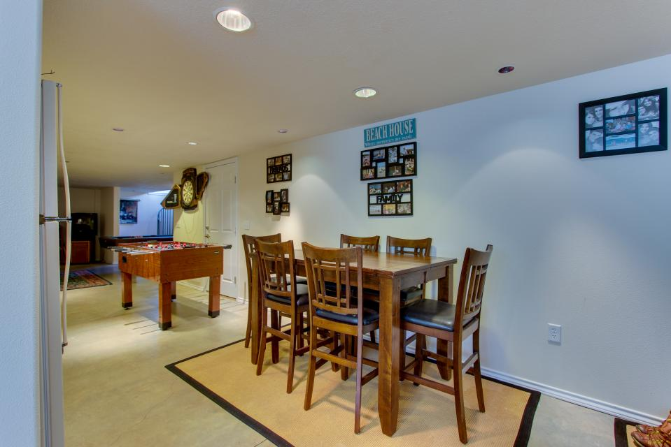 Vinovilla - Rockaway Beach Vacation Rental - Photo 43