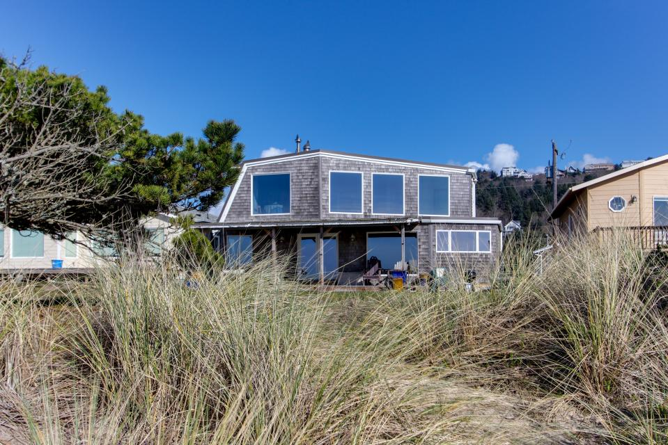 Vinovilla - Rockaway Beach Vacation Rental - Photo 1