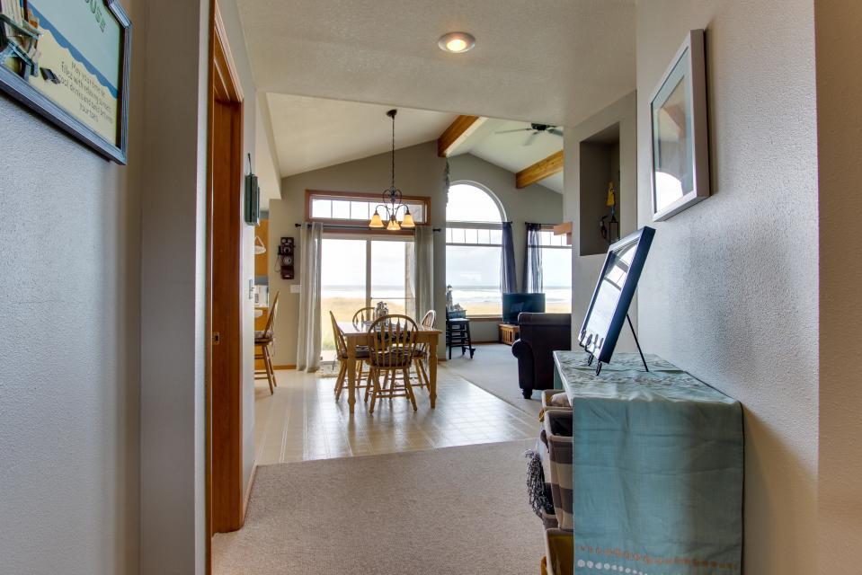 Beach Whale - Rockaway Beach Vacation Rental - Photo 35