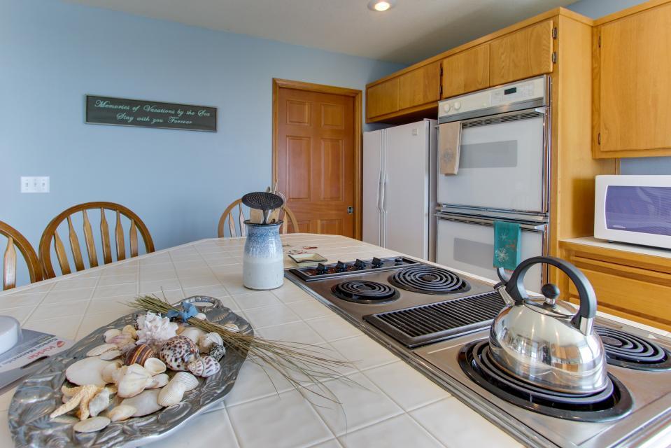 Beach Whale - Rockaway Beach Vacation Rental - Photo 51