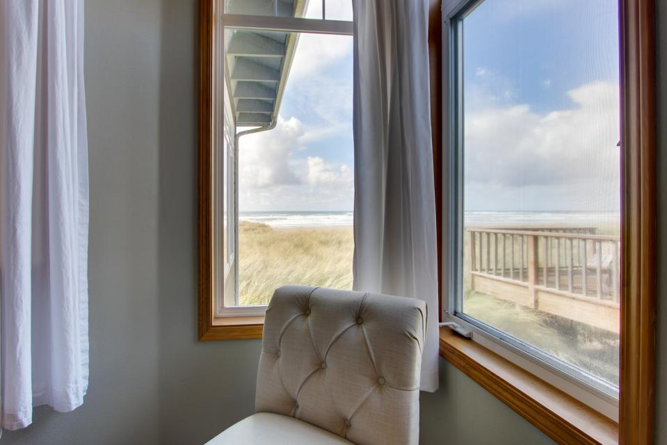 Beach Whale - Rockaway Beach Vacation Rental - Photo 24