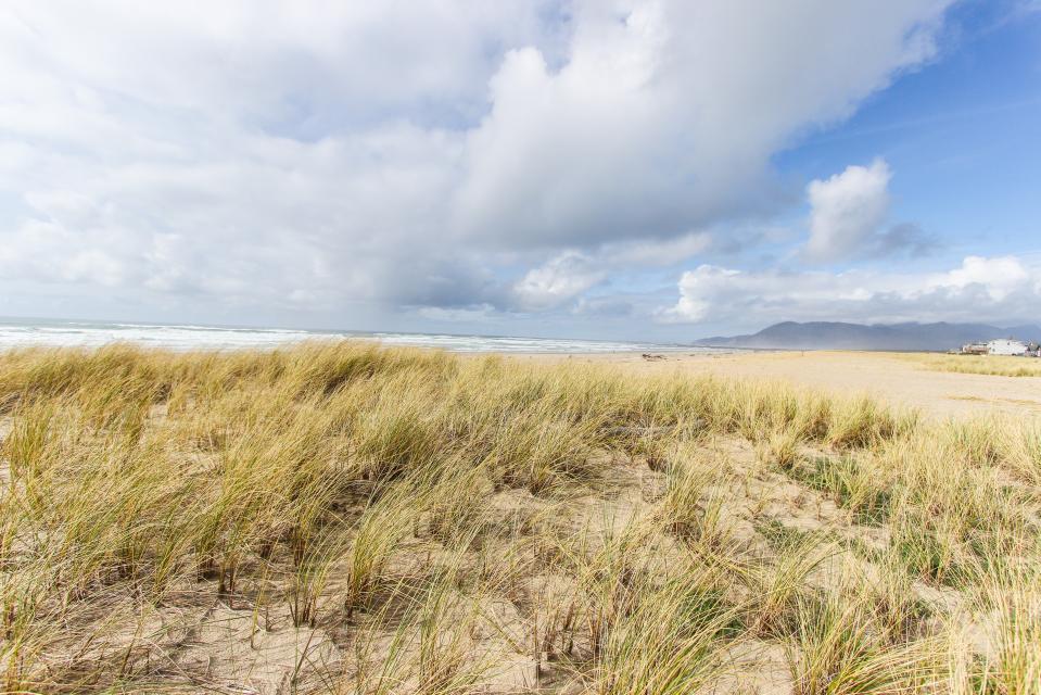 Beach Whale - Rockaway Beach Vacation Rental - Photo 57